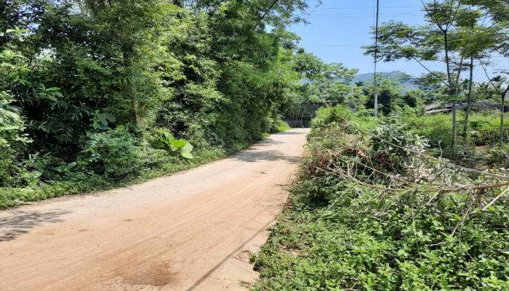 Bán 1000m2 đất thổ cư nhà vườn tại Lương Sơn Hòa Bình vị trí đẹp đất 3 mặt tiền
