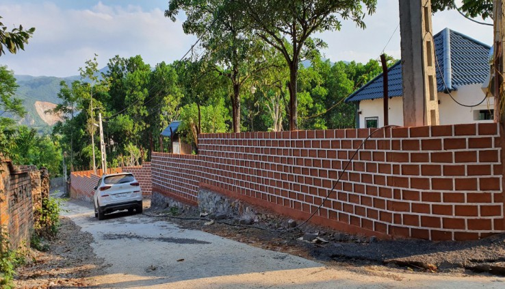 Chính Chủ bán kv sẵn Lương Sơn 4040m2 400m sẵn nhà tường bao 2MT lớn viuw thành phố đường oto tránh